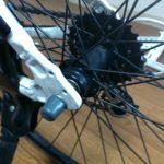 自転車の後輪 着脱方法(ロックナットタイプ)